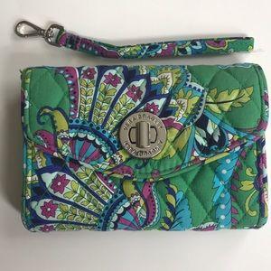 Vera Bradley Wallet/Wristlet Emerald Paisley